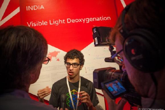 Visible Light De-oxygenation